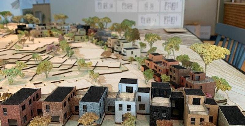 Nå er endelig modell av prosjektet på plass i visningssenteret.