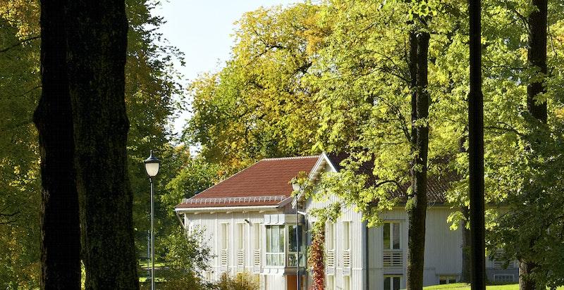 Boligen ligger rett ved Skøyenparken som fungerer som en forlengning av Frognerparken.
