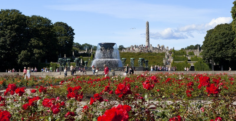 Vigelandsparken er populært både for Oslo-borgere og turister.