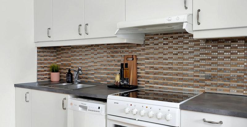 Electrolux kjøleskap, Gorenje komfyr og Electrolux oppvaskmaskin medfølger