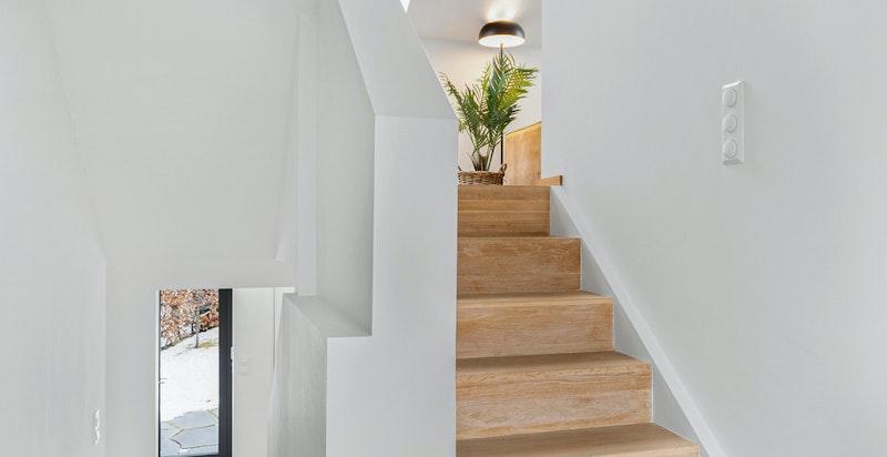 Trappegang mot 1.etasje og loft