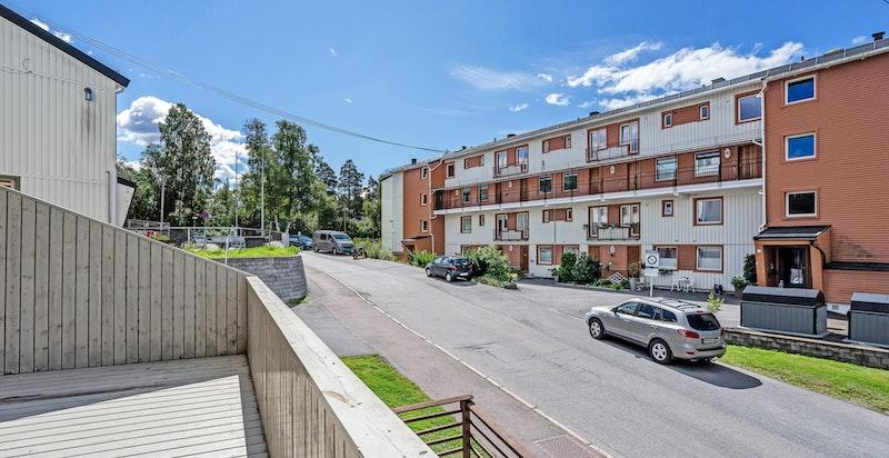 2-roms endeleilighet med stor sydvestvendt terrasse.