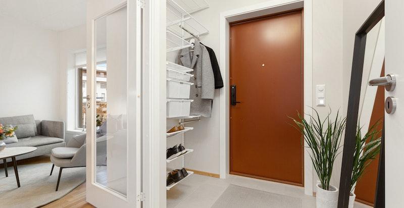 Entré med garderobeplass