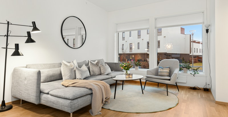 God plass for romslig sofasalong