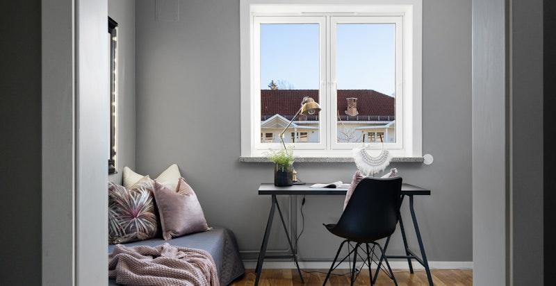 Alternativt kan man søke styret om å flytte kjøkken til stuen, slik at dette rommet kan benyttes som soverom.