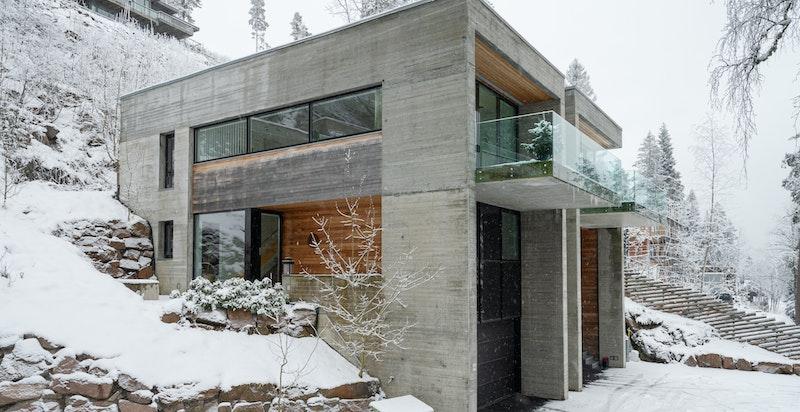 Moderne og arkitekttegnet bolig
