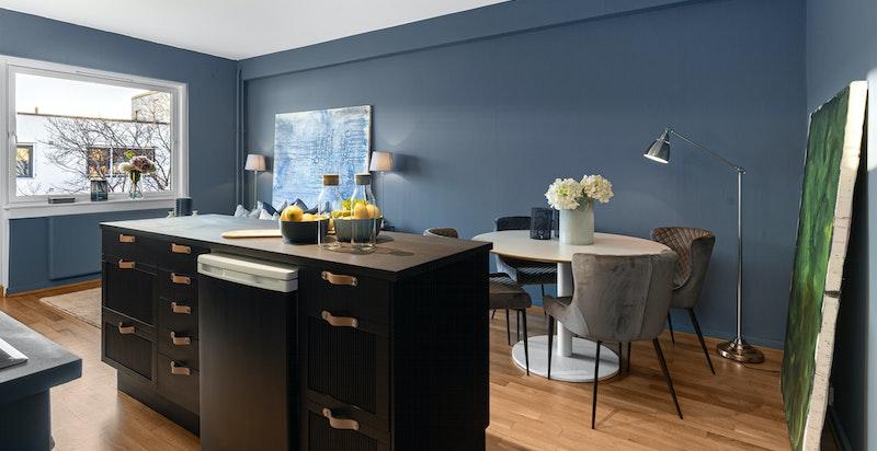 Kjøkkenøy gir godt med skap- og arbeidsplass