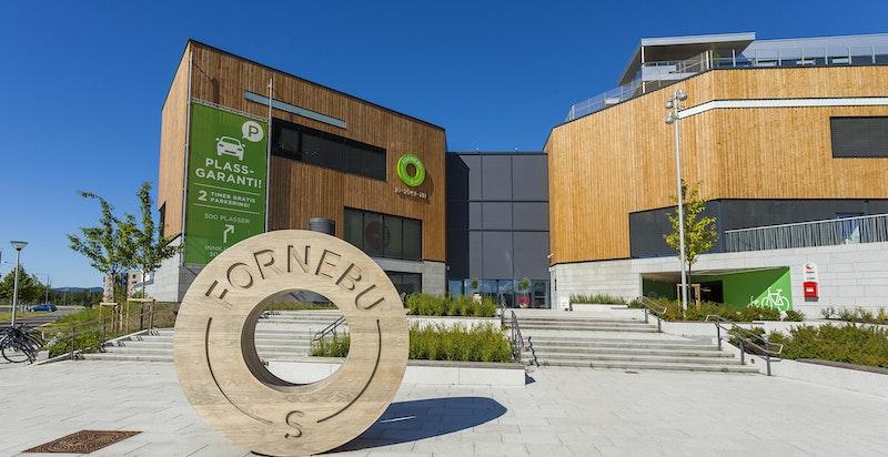 Gangavstand til kjøpesenteret Fornebu S med et stort utvalg av butikker og servicefunksjoner
