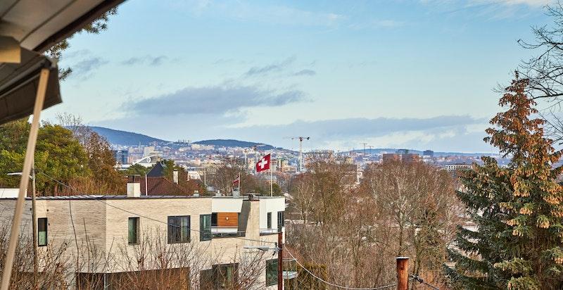 Utsikt fra terrasse mot nord/øst