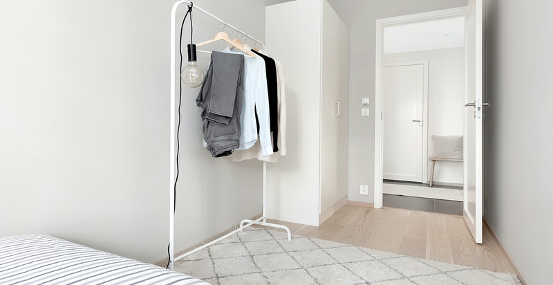 Soverom nr. 2 har også garderobeskap