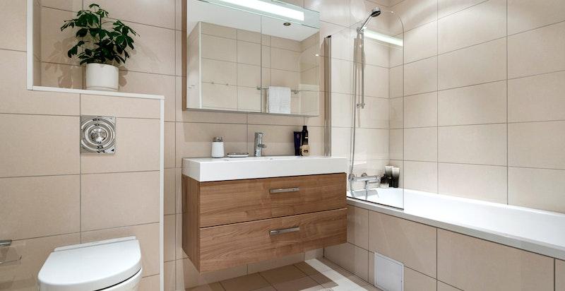 Hovedbad med badekar, wc