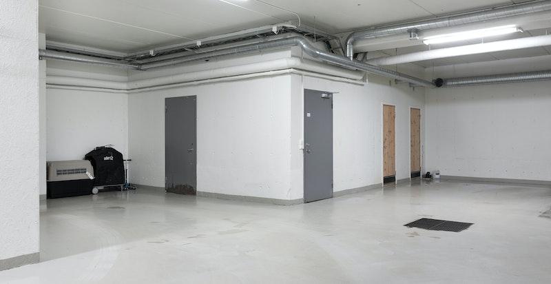 2 parkeringsplasser i felles garasjeanlegg