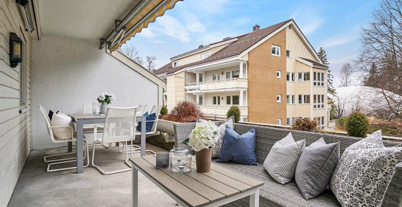 Meget hyggelig vestvendt terrasse på 15 kvm