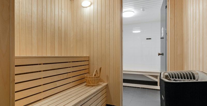 Fellesområdet gir et komplett trenongstilbud med svømmebasseng, treningsrom og garderobe med dusjfasiliteter og badstue