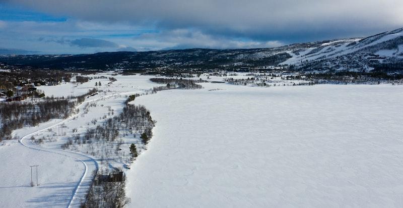 Det er nærmest umiddelbar adkomst til skiløypene som går rundt Ustedalsfjorden