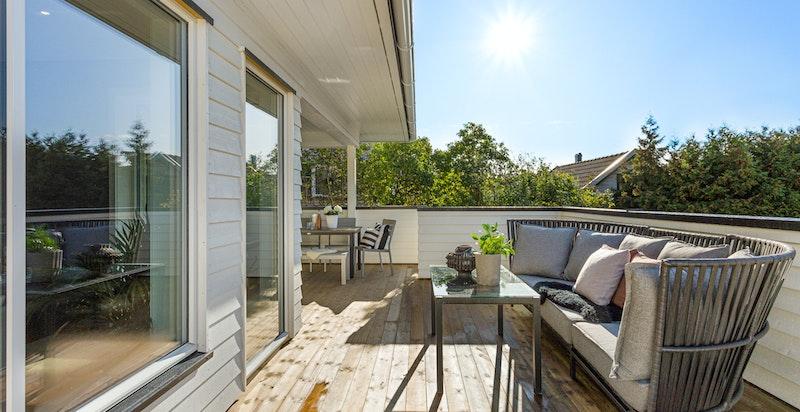Terrassen er svært solrik