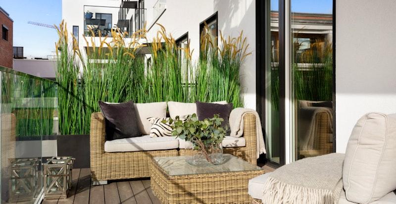 Utgang til stor balkong på ca. 11 m²