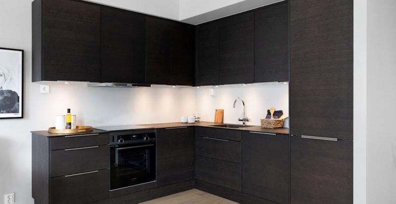 Integrerte hvitevarer fra Siemens (Induksjon platetopp, stekeovn, oppvaskmaskin og kombiskap)