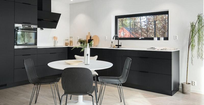 Kjøkken / Stue 1 etg.