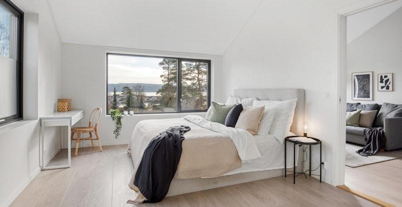 Soverom 1 med flott usikt mot Oslofjorden