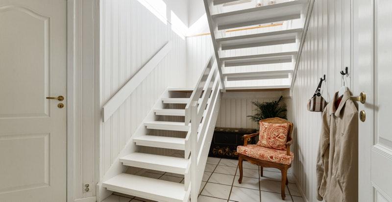 Gang i u.etg.med trapp til 1.etg.