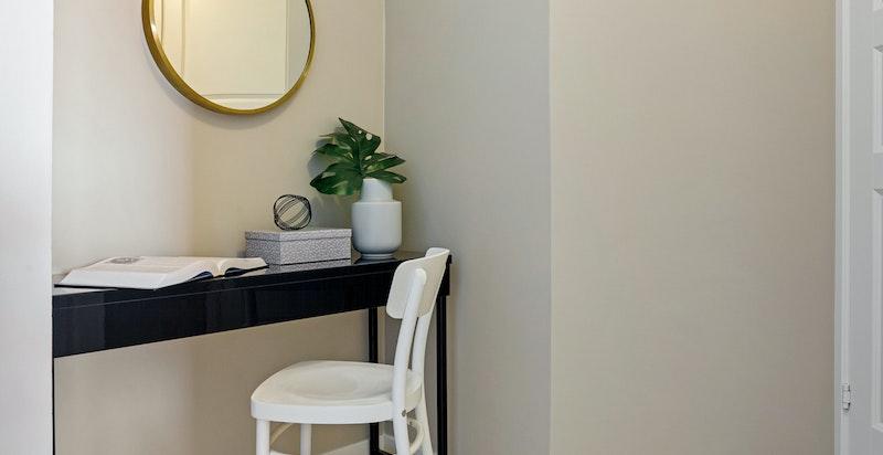 Kontornisje med plass til kontorpult
