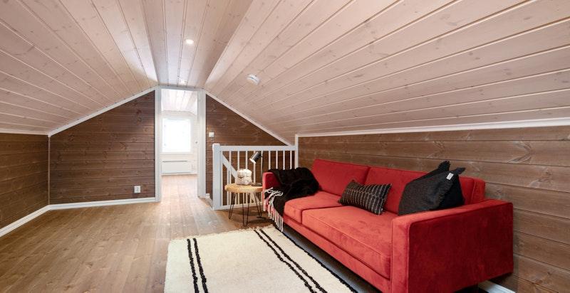 Gulvarealet på innredet hems ca. 40 m² (ikke målbart areal pga. takhøyde)