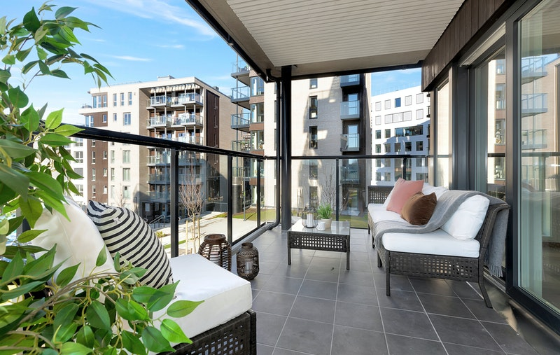 Ny og lys 4-roms endeleilighet med to solrike balkonger!