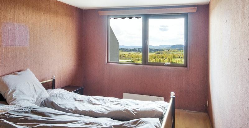 3 store soverom. Alle rommene har god størrelse.