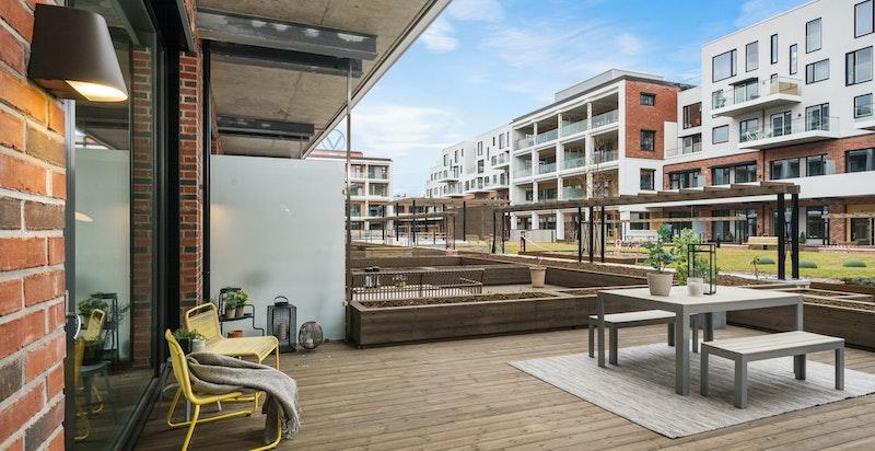 En herlig og privat terrasse på ca. 36 kvm.