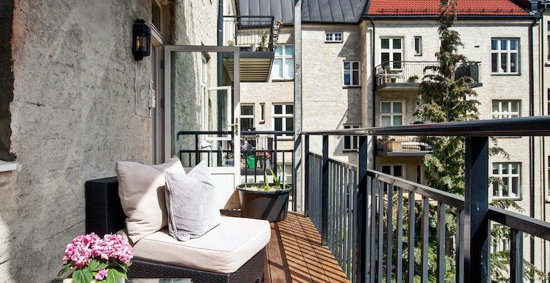 Sol og sjarm på balkongen.
