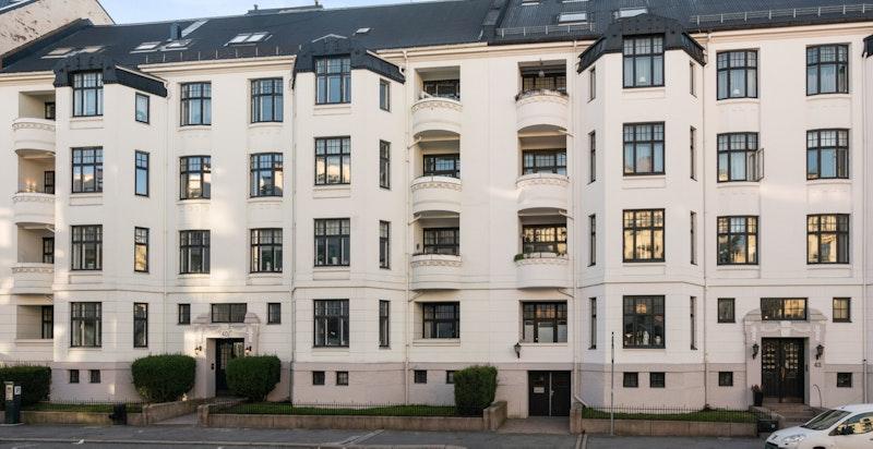 Flott fasade i Frederik Stangs gate 40.