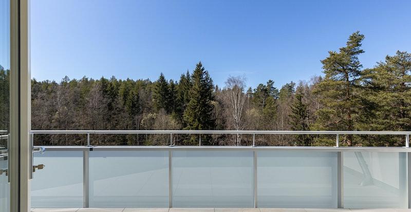 Utgang til terrasse fra stuen.