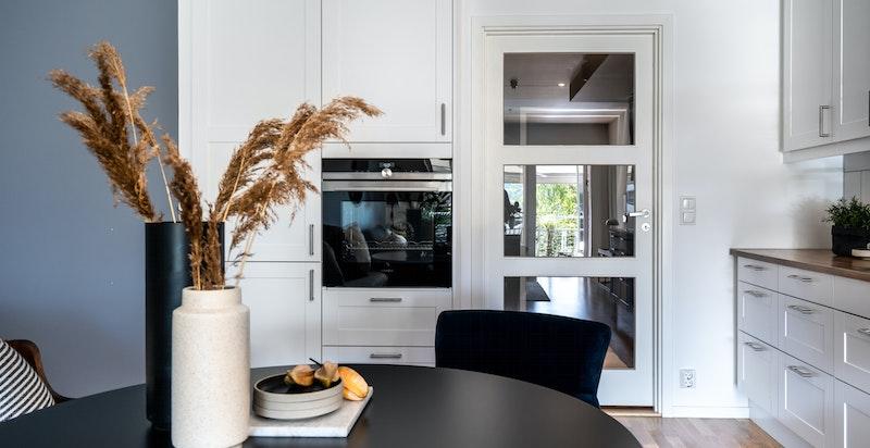 Integrert stekeovn, oppvaskmaskin og kjøleskap m/frys fra Siemenes