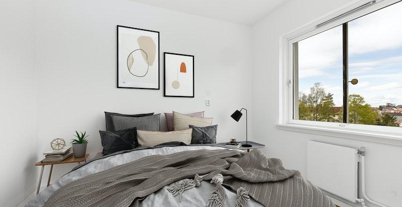 Soverommet har plass til dobbeltseng og garderobeinnredning.