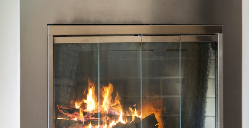 Varmende og stemningsfull peis. Pipeløp renovert 2014