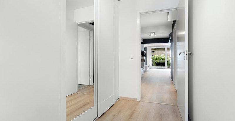 Soverom 3 - dette rommet fungerer fint som soverom, eller alternativt som et meget romslig walk-in closet garderobe