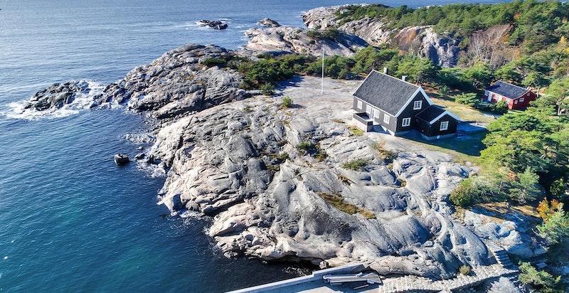 Eventyrlig eiendom med flott beliggenhet ytterst på Hankø