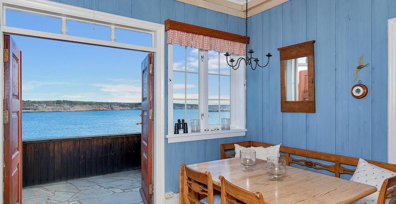 Kjøkken med utgang til veranda