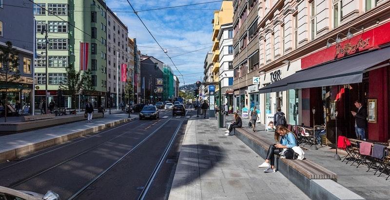 Nærområdet - Bogstadveien med alt av servicetilbud, samt nyåpnede Valkyrien kjøpesenter