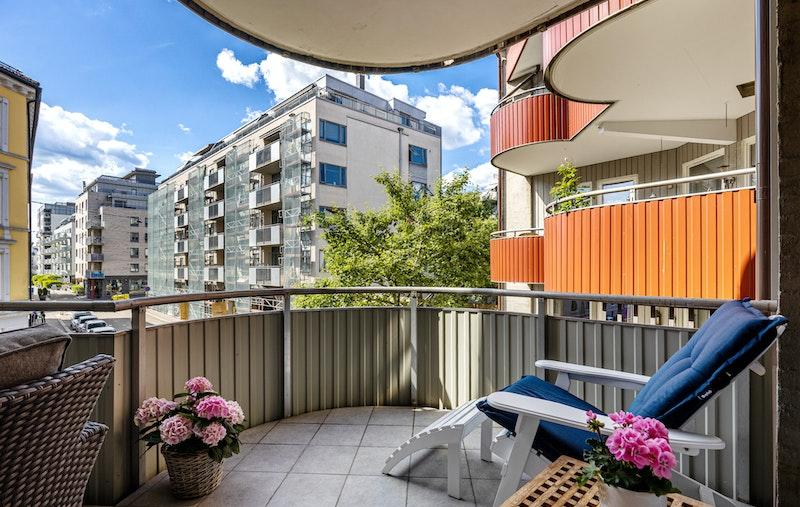Boligen har en flott solrik vestvendt balkong på 15 kvm.