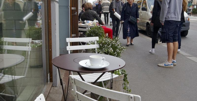 Bogstadveien har også hyggelige fortauskafeer og restauranter.