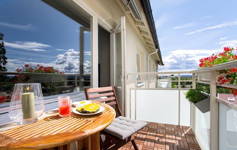 Solrik og usjenert balkong