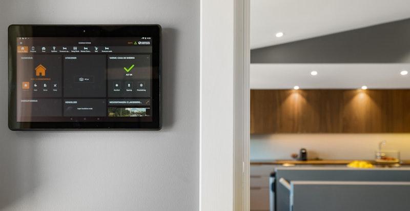 Smarthus hvor lys og varme blant annet kan styres vi mobilen/ iPaden.