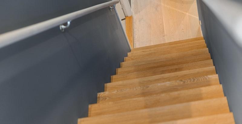 Pent opparbeidet trappeløp