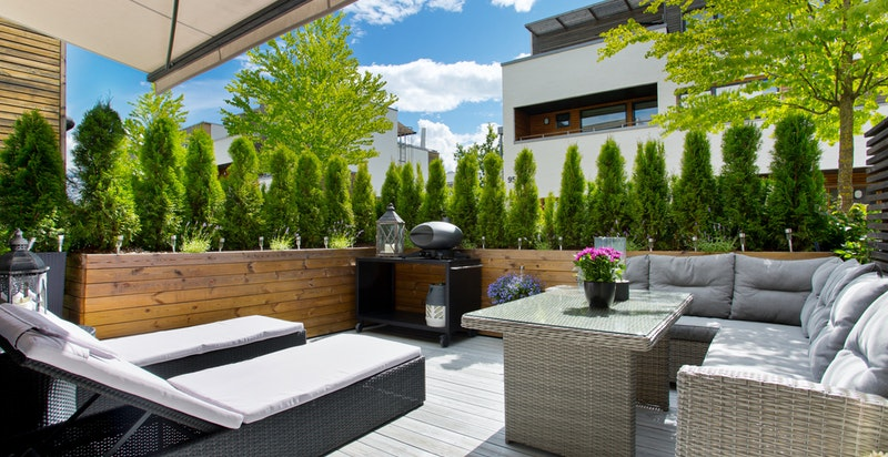 Velkommen til Lilleruts vei 77 A - endeleilighet med 2 store terrasser og egen inngang