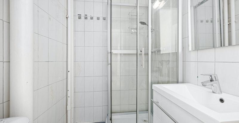 Rehabilitering av bad må påregnes.