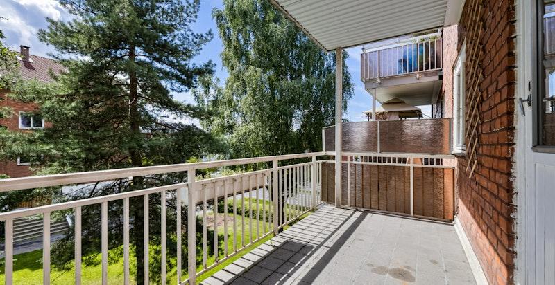 Lys og romslig 3-roms selveier med sydvendt balkong på 8 kvm.