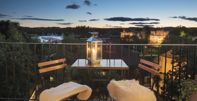 Vakker fjordutsikt fra balkong