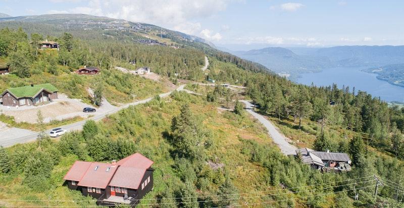Ligger i flott turterreng og ikke langt fra alpinanlegget
